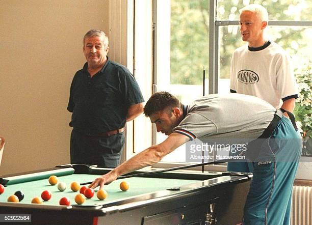 Trainingslager KROATIEN/CRO in Vittel Zvonimir SOLDO/CRO beim Billard spielen