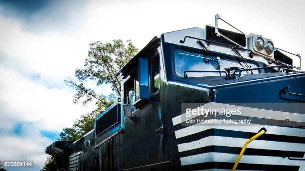 trains and locomotives - train engineer strike stock pictures, royalty-free photos & images