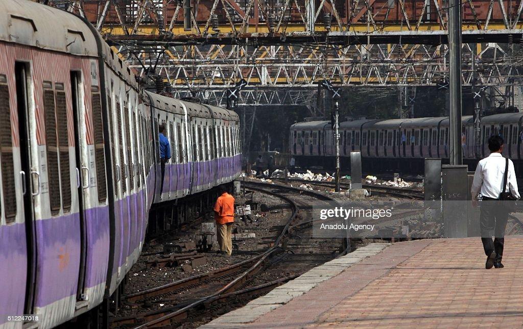 indian railway minister suresh prabhu unveiled the annual railways
