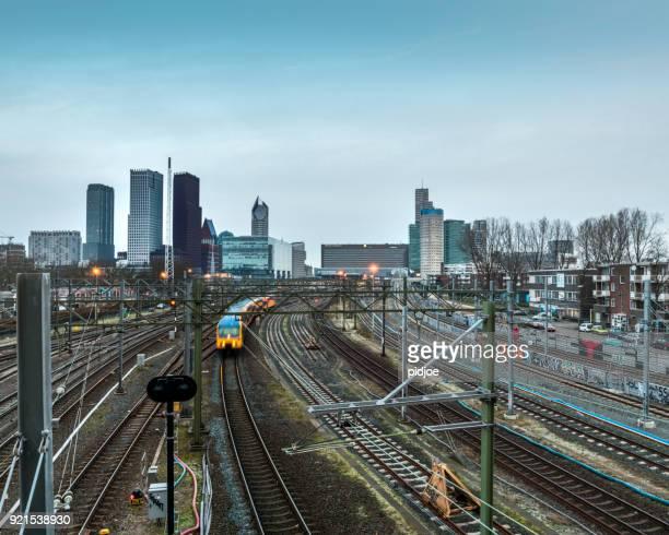 Treinen vertrekken vanaf en aankomst op Den Haag Centraal Station