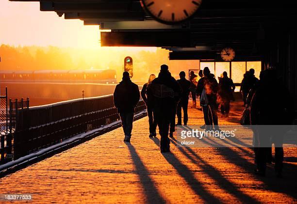 Bahnhof im winter sundawn