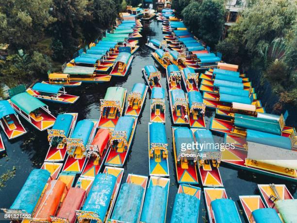 """Trajinera"" Boote in der Xochimilco Kanälen, Mexiko-Stadt."