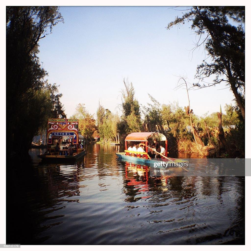 Trajinera imbarcazioni di Xochimilco, Città del Messico : Foto stock
