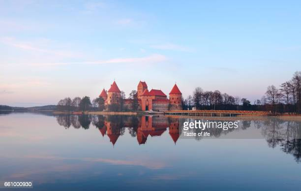 trakai castle - lithuania stock pictures, royalty-free photos & images