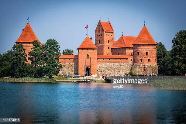 île de château de trakai, lituanie - lituanie photos et images de collection
