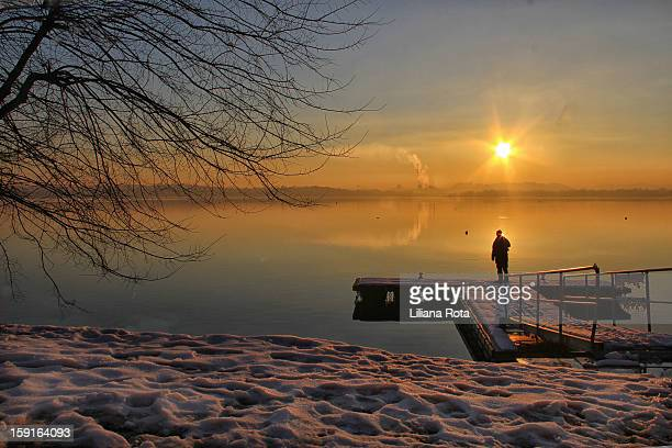 tramonto d'inverno - inverno stock pictures, royalty-free photos & images