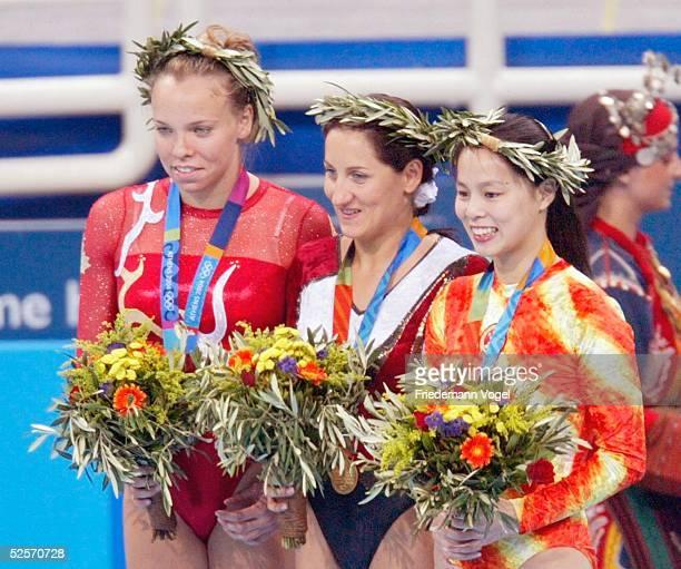 Trampolin Olympische Spiele Athen 2004 Athen Frauen / Finale Karen COCKBURN / CAN Silber Anna DOGONADZE / GER Gold Shanshan HUANG / CHN Bronze 200804