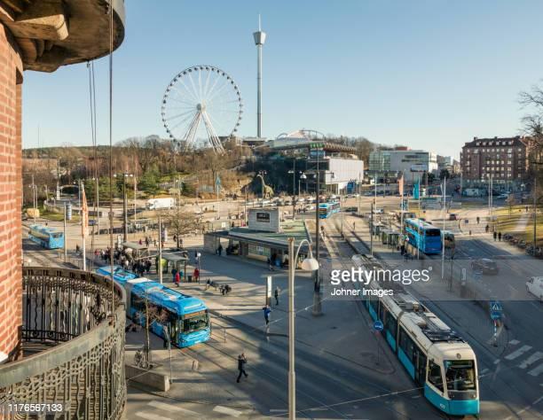trams in city - ヨーテボリ ストックフォトと画像