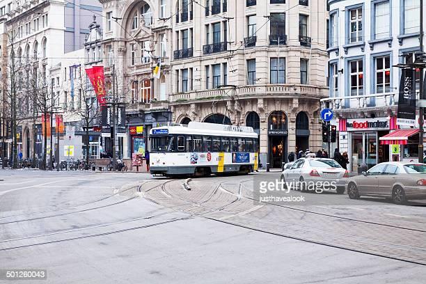 tramway in antwerpen - antwerpen provincie stockfoto's en -beelden