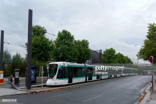 tramway in paris - gwengoat stock pictures, royalty-free photos & images