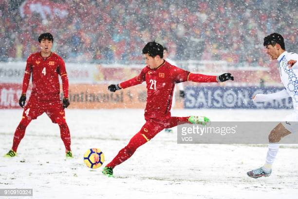 Tran D'nh Trong of Vietnam kicks the ball during the AFC U23 Championship China 2018 final match between Vietnam and Uzbekistan at Changzhou Olympic...