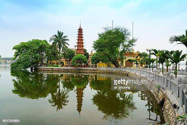 tran quoc temple - hanoi stock pictures, royalty-free photos & images