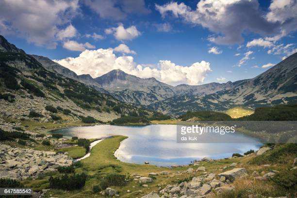 tranquil lake in the mountains - pirin mountains stock pictures, royalty-free photos & images