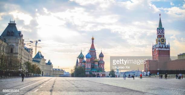 tranquil red square at morning dawn, moscow, russia - russia stock pictures, royalty-free photos & images