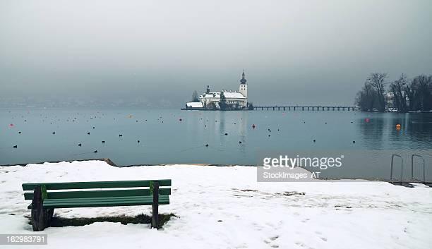 Ruhige Winter Landschaft am Lake Traun