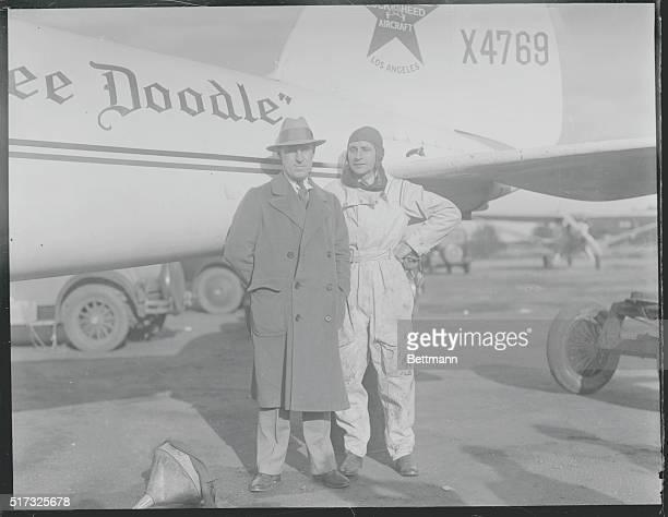 Transcontinental Fliers Break Record Curtiss Field Harry Tucker Santa Monica California sportsman and Art Goebel famed as a transPacific flier at...