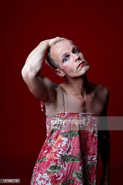 Transexual gay weiß Hand in den Haaren