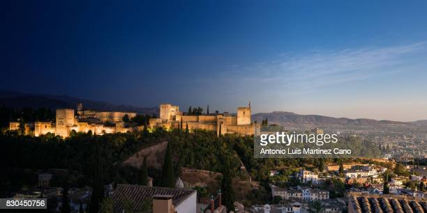 Transition between the day and night of the Alhambra from the Albaicin