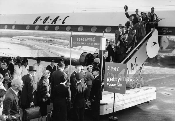 Transport Aviation London Heathrow Airport England 4th October 1958 A De Havilland Comet airliner owned by BOAC Airlines Passengers wave before they...