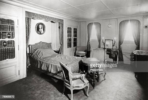 """Transport, Shipping, pic: circa 1930's, A de-luxe bedroom on the French liner """"Normandie"""", The Normandie launched in 1932 and famous for it's lavish..."""