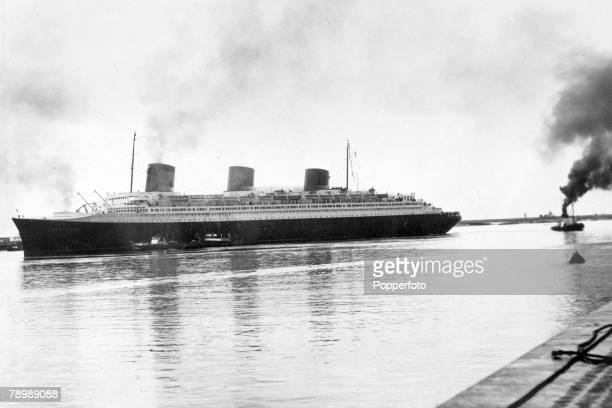 """Transport, Shipping, pic: circa 1930's, The French liner """"Normandie"""" arriving in Le Havre afte an Atlantic crossing from New York, The Normandie..."""