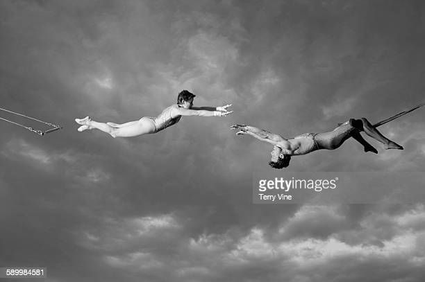 trapeze artists - trapeze artist stock photos and pictures