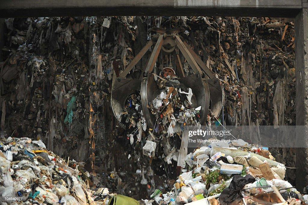Turning Trash into Energy : News Photo