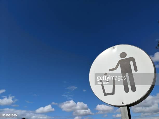 Trash sign in Sydney park