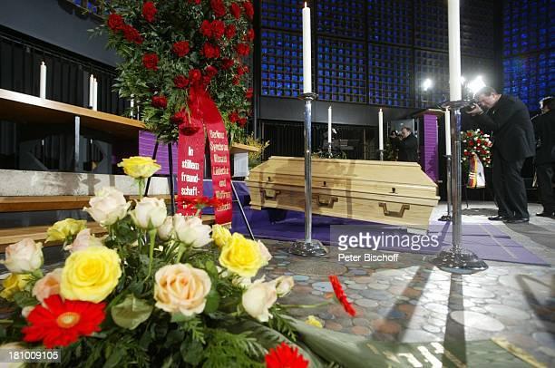 Trauerfeier für Horst Buchholz KaiserWilhelmGedächtnisKirche Berlin Deutschland Europa Sarg
