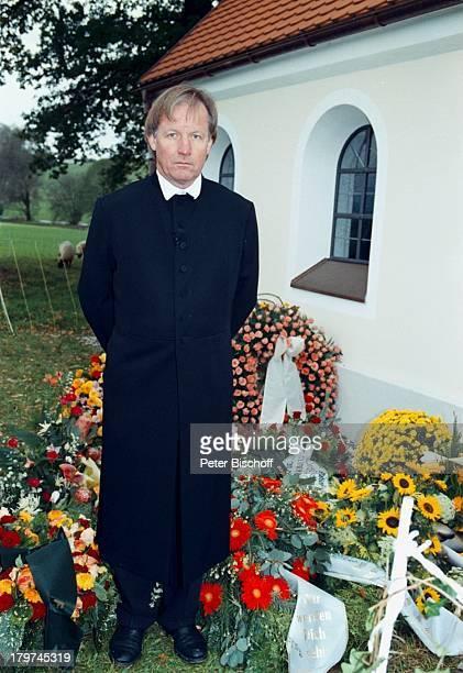 Trauerfeier von Professor JuliusHackethal BeerdigungTVPfarrer Fliege