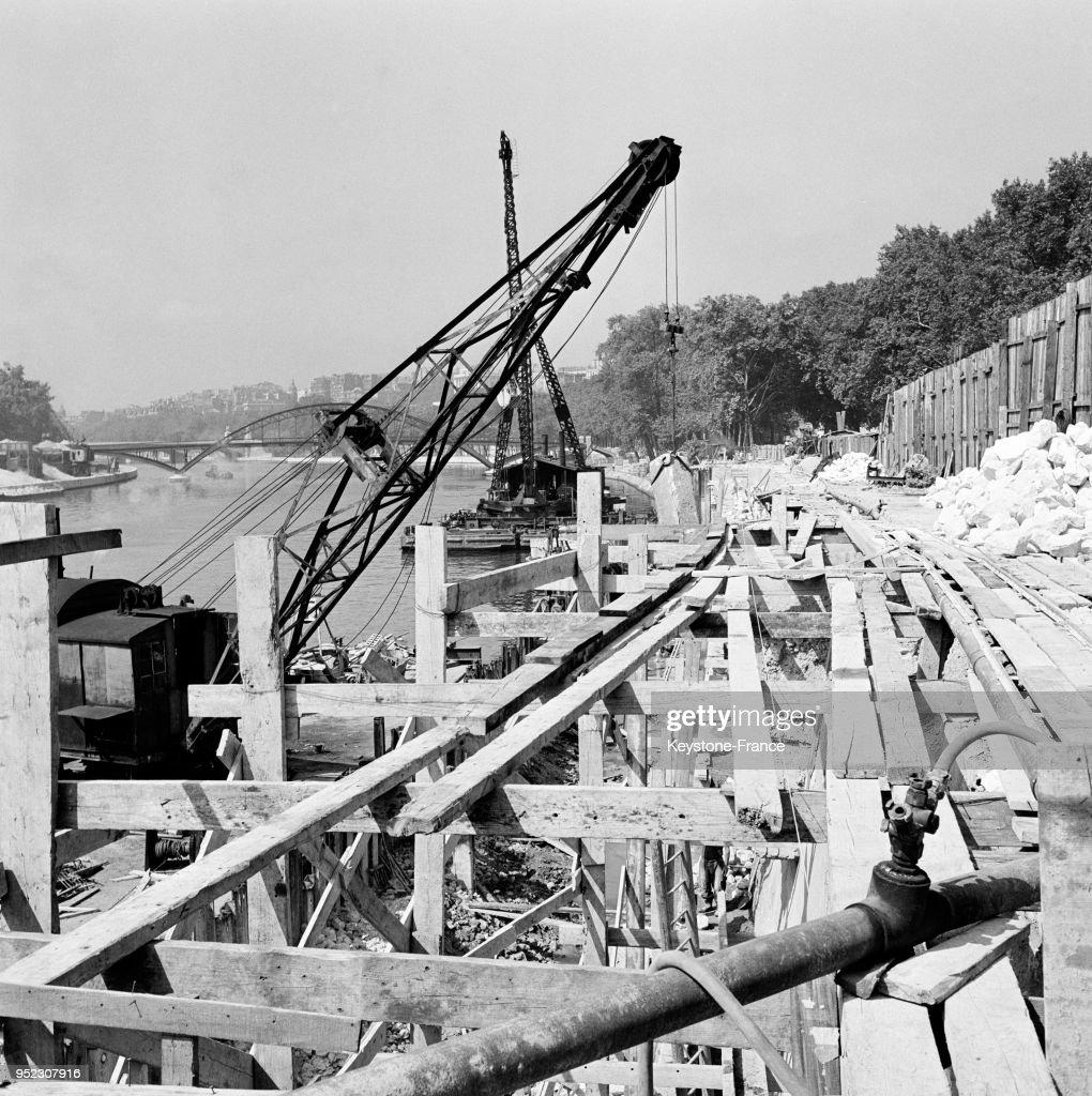Travaux Sur Le Pont De L Alma A Paris France En 1954 News