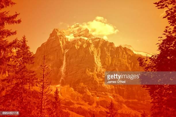 Travel Colour Surge Mountain