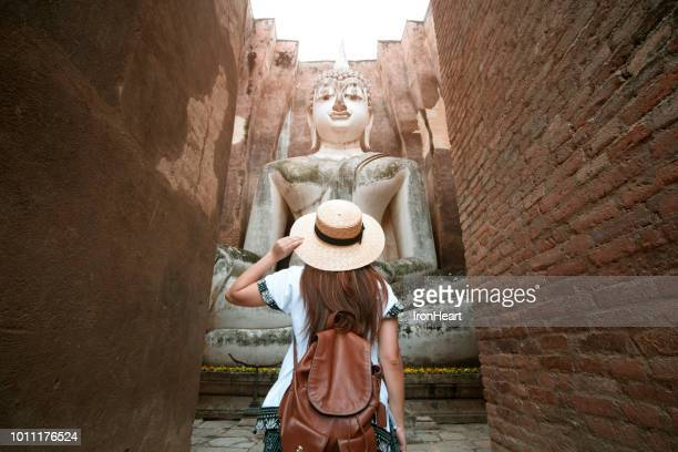 travel in sukhothai, thailand. - tourist stock-fotos und bilder