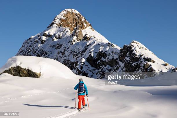 travel like a local - free skier on a back country tour in the italian alps - monte rosa foto e immagini stock