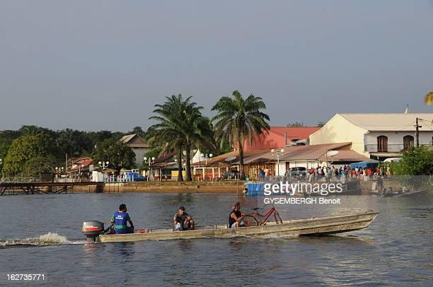 Travel On The Banks Of The River Oyapock Frontier Between Brazil And The French Guiana Polémique à propos d'un pont magnifique construit audessus du...