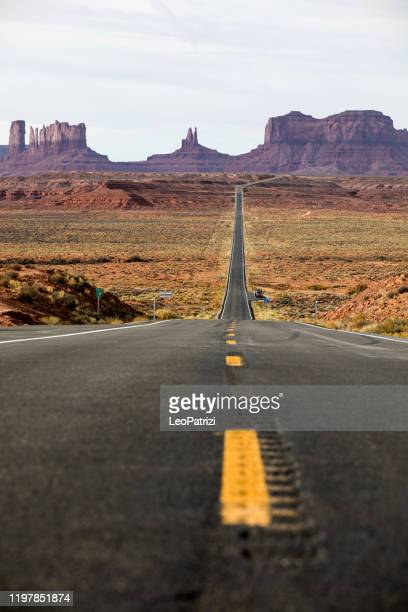 travel on the monument valley - national landmark stock pictures, royalty-free photos & images