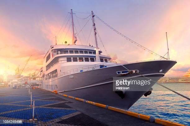 travel with cruise ship. - 兵庫県 ストックフォトと画像