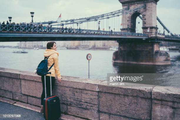 traveler in europe - expatriate stock pictures, royalty-free photos & images