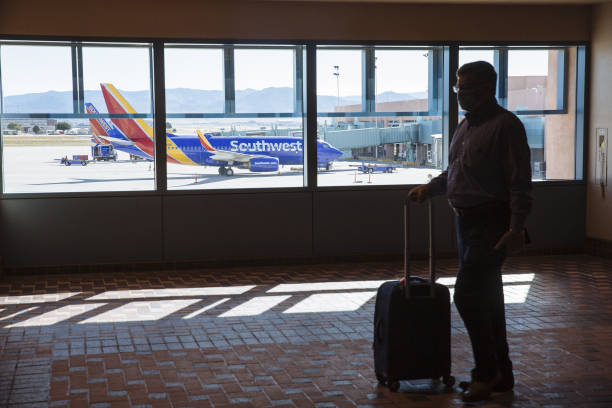 TX: Travelers At Airports As U.S. Airline Daily Traffic Falls
