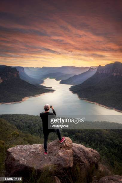 traveler with stunning landscape in nsw - national park stock pictures, royalty-free photos & images