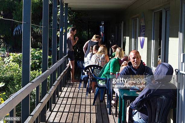 travelers enjoying each others company over breakfast at the karioi lodge and hostel - category:cs1_maint:_others stock pictures, royalty-free photos & images