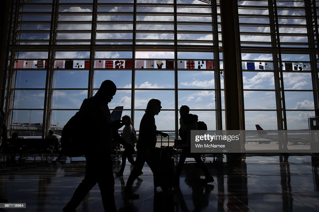 tsa predicts record air travel for friday before july 4th holidayの