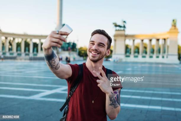 reisen in europa und sehen erstaunliche sehenswürdigkeiten - wahrzeichen stock-fotos und bilder