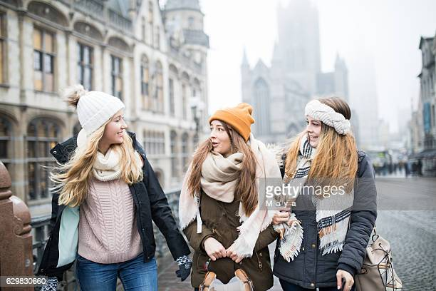 traveling europe with my best friends - belgian culture stock pictures, royalty-free photos & images