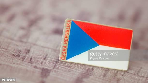 traveling souvenir: pin brooch from czech republic - tschechische republik stock-fotos und bilder