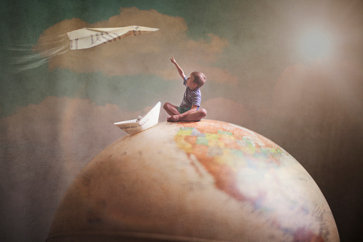 Traveling the world with the imagination - gettyimageskorea