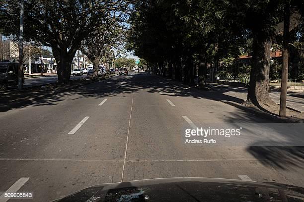 traveling through the city of córdoba - andres ruffo stockfoto's en -beelden