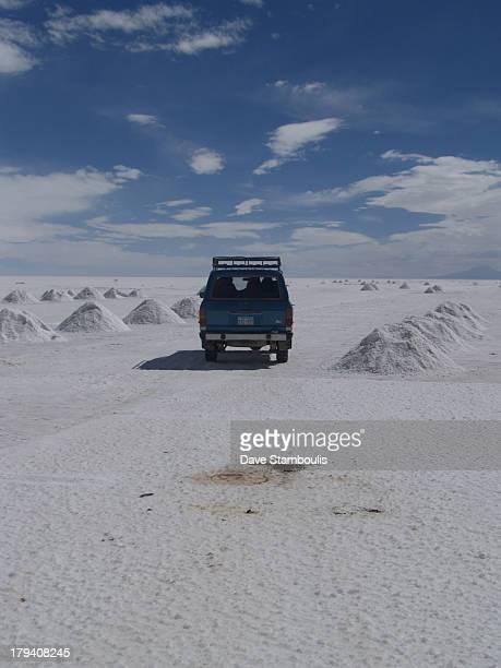 CONTENT] travelling through the giant salt lake the Salar de Uyuni
