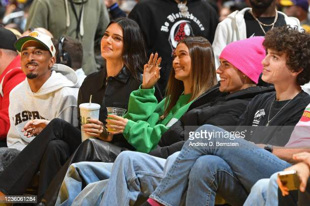 Travis Bennett, Kendall Jenner, Hailey Bieber and Justin Bieber attend the Phoenix Suns game against the Los Angeles Lakers on October 22, 2021 at...