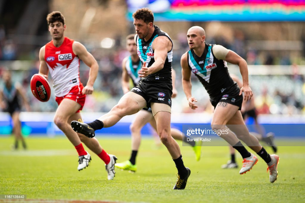 AFL Rd 21 - Port Adelaide v Sydney : News Photo